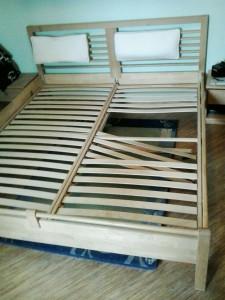 фото сломанной кровати